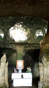 Madonna, altare e quadro