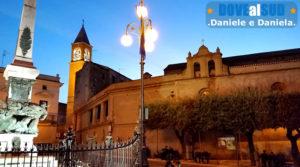 Piazza di Ascoli Satriano di sera