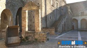 Castello di Miglionico cortile interno
