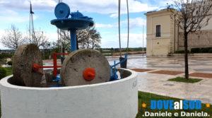 Monumenti moderni macina in pietra