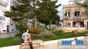 Piazza Roma con fontana e palazzi