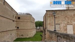 Castello di Copertino, fossato ed esterno