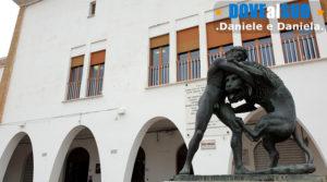 Piazza Eraclea, statua in bronzo di Ercole