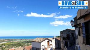 Rocca Imperiale centro storico con vista mare