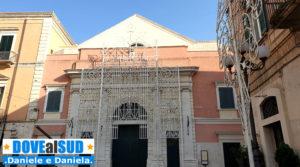 Teatro Garibaldi con luminarie festa