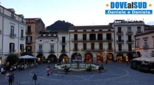 Piazza Duomo con Monte Castello